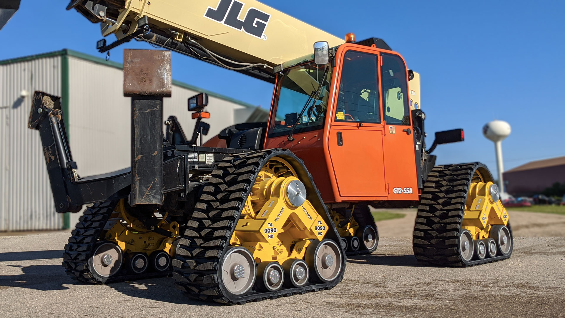 9090-RR Series Tracks on a JLG G12-55A Telehandler