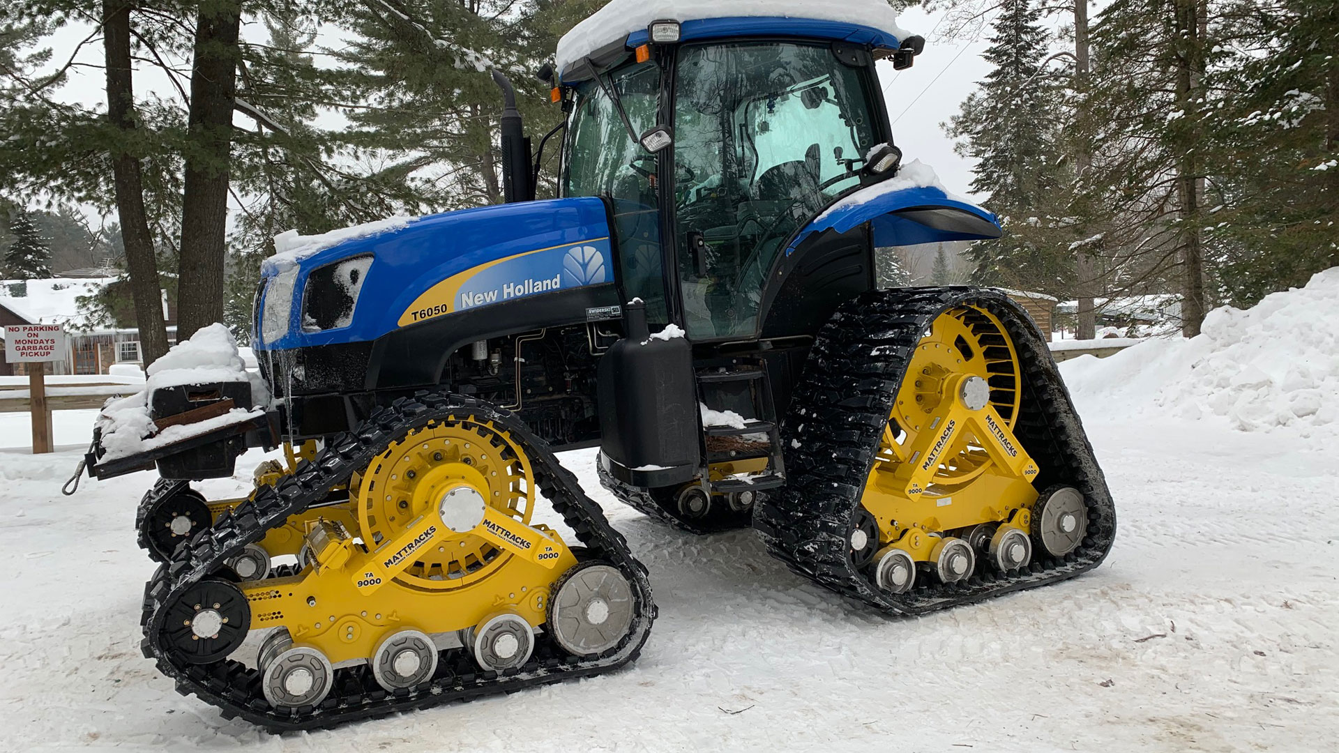 9000-LM Series Tracks on a New Holland T6050